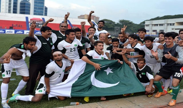 Pakistan pulled off a surprise 2-0 win over India – level series