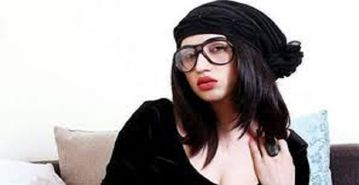 Pakistan model Qandeel Baloch wants charming Virat Kohli Like Anushka